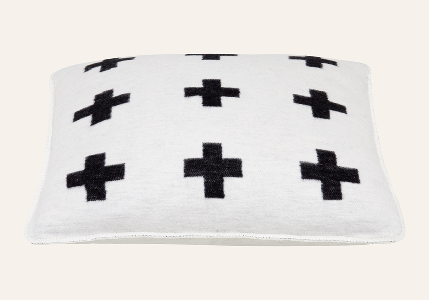 Cross Cushion Offwhite Black